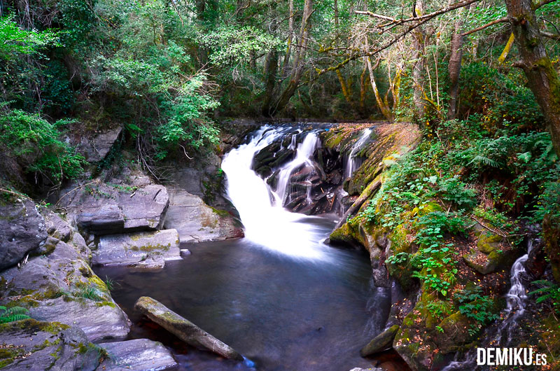 Pequeña cascada en Os Ancares de Lugo