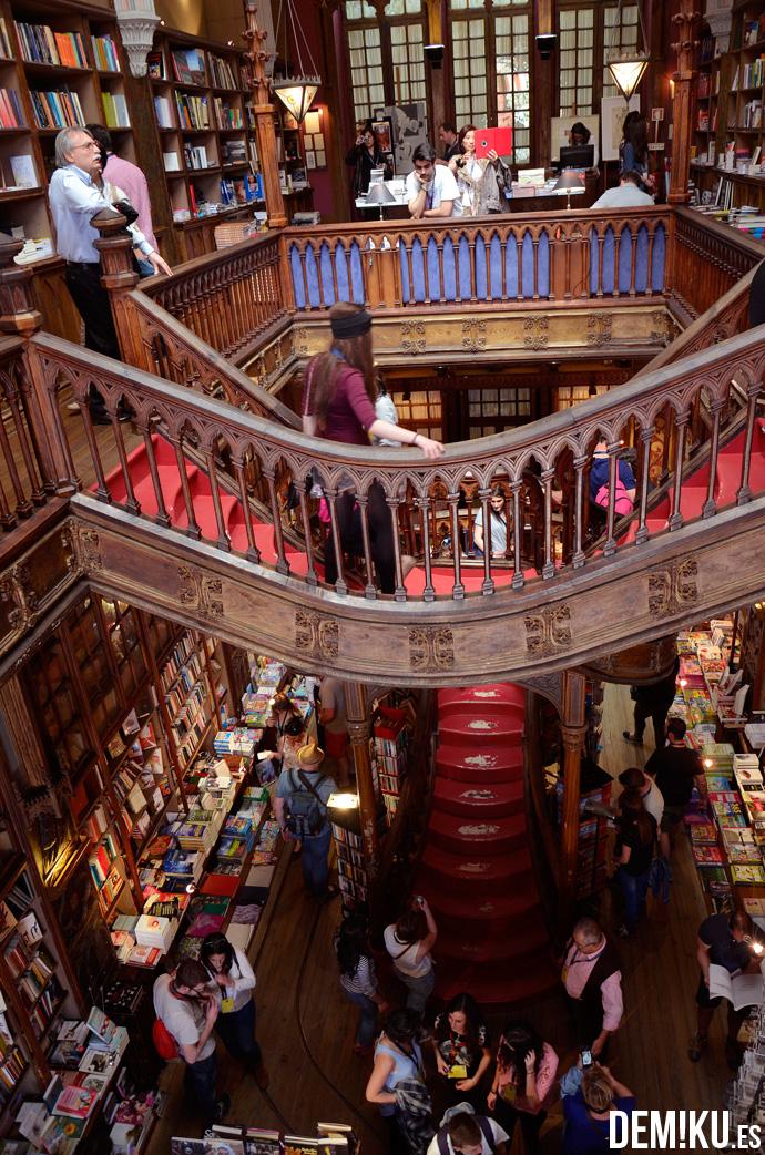 Oporto-(7)-libreria-lello-irmao
