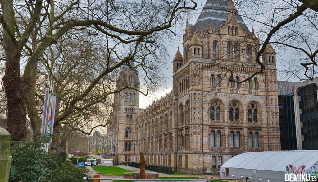 museo-historia-natural-Londres-fachada