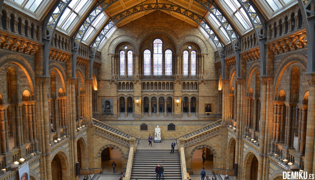 museo-historia-natural-Londres-hall
