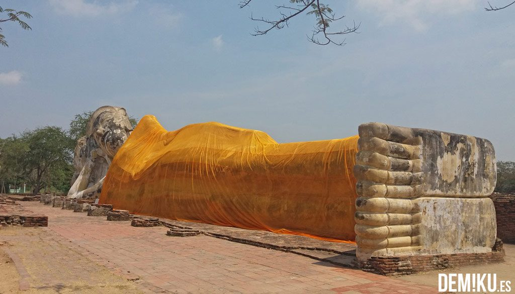 Buda reclinado Wat Lokayasutharam